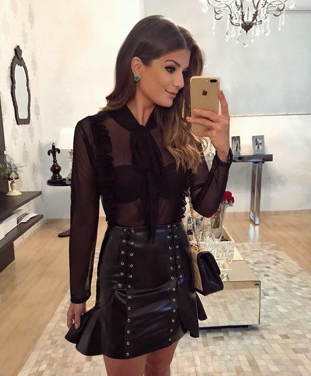 53169c1fc  All black  loubucca ✨  Body de tule transparente com saia de couro! •   selfie  ootn  blogtrendalert - Blog Trend Alert ( arianecanovas)
