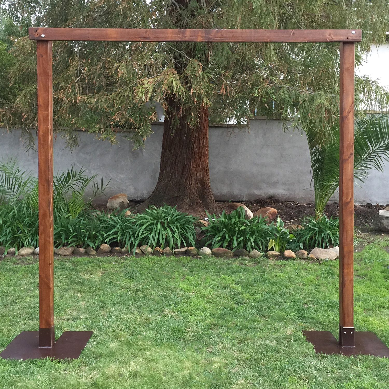 Wooden Wedding Arch: Wedding Backdrops