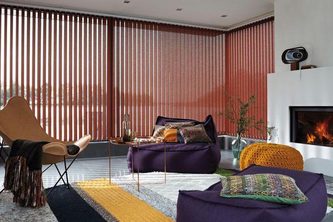 Des stores color s pour les baies vitr es du salon id es pour la maison p - Stores pour baies vitrees ...