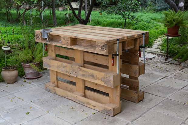 Workbench Made With 3 Pallets No Tools No Nails No Screws Wood Pallet Projects Pallet Diy Pallet Kitchen Island