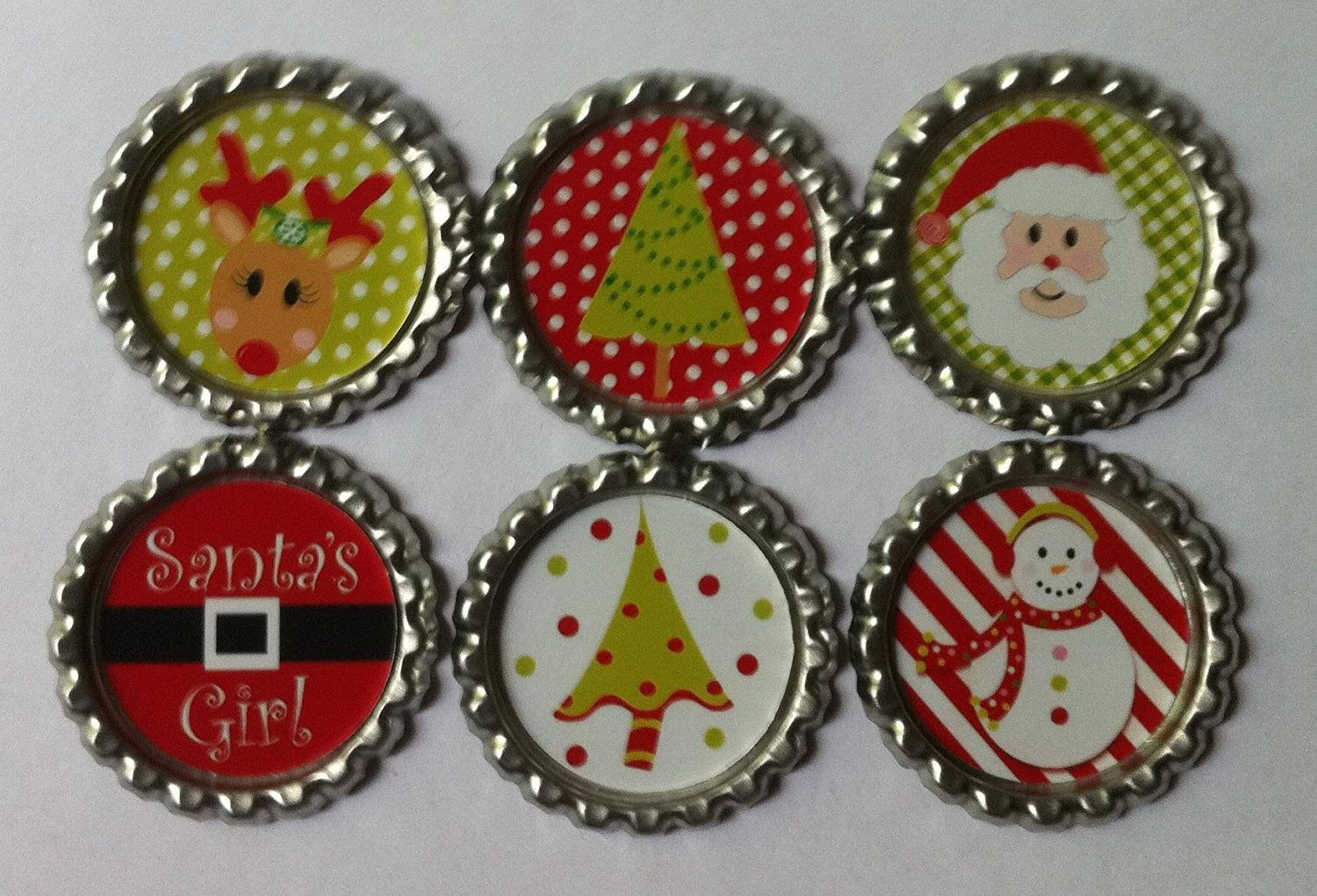 Christmas bottle cap magnets for all those Christmas Cards!