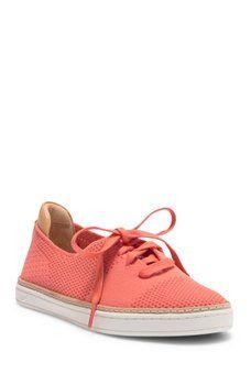 d8a0a31f353 UGG - UGG(R) Pinkett Sneaker (Women)