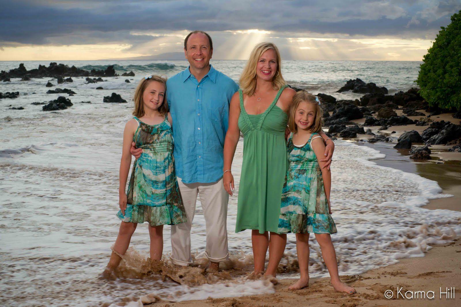 Family Beach Photos Maui Photographers By Maui Vacation Portraits What To Wear