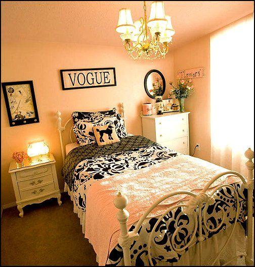 Eiffel Tower Inspired Bedroom Designs
