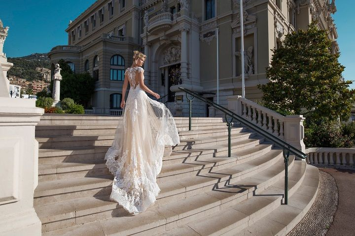 "Alessandra Rinaudo Bridal 2017 Collection ""Art to be worn"""