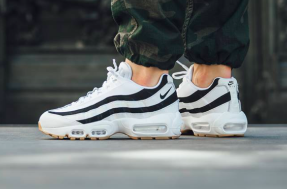 The Nike WMNS Air Max 95 Juventus Is Perfect For Summer | Dr