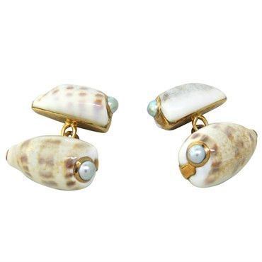 Trianon Pearl Shell 18k Gold Cufflinks