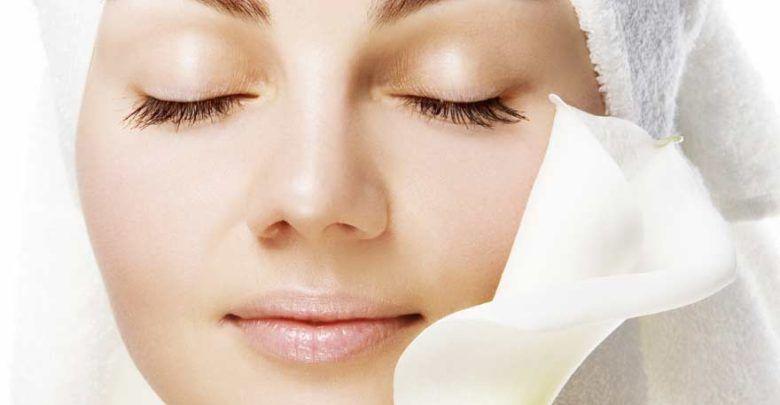 افضل قناع للوجه في المنزل 2019 لعلاج حب الشباب والبقع ومشاكل البشرة Facial Toning Skin Brightening Diy Skin Brightening