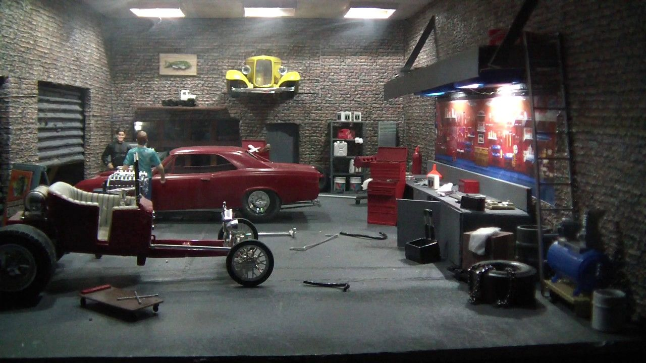 Image Result For Measurements For 1 24 Scale Garage Wall Diorama Car Model Scale Models Cars
