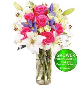 1st Anniversary Bouquet.... Check out this blog to find gift ideas for your first year together!