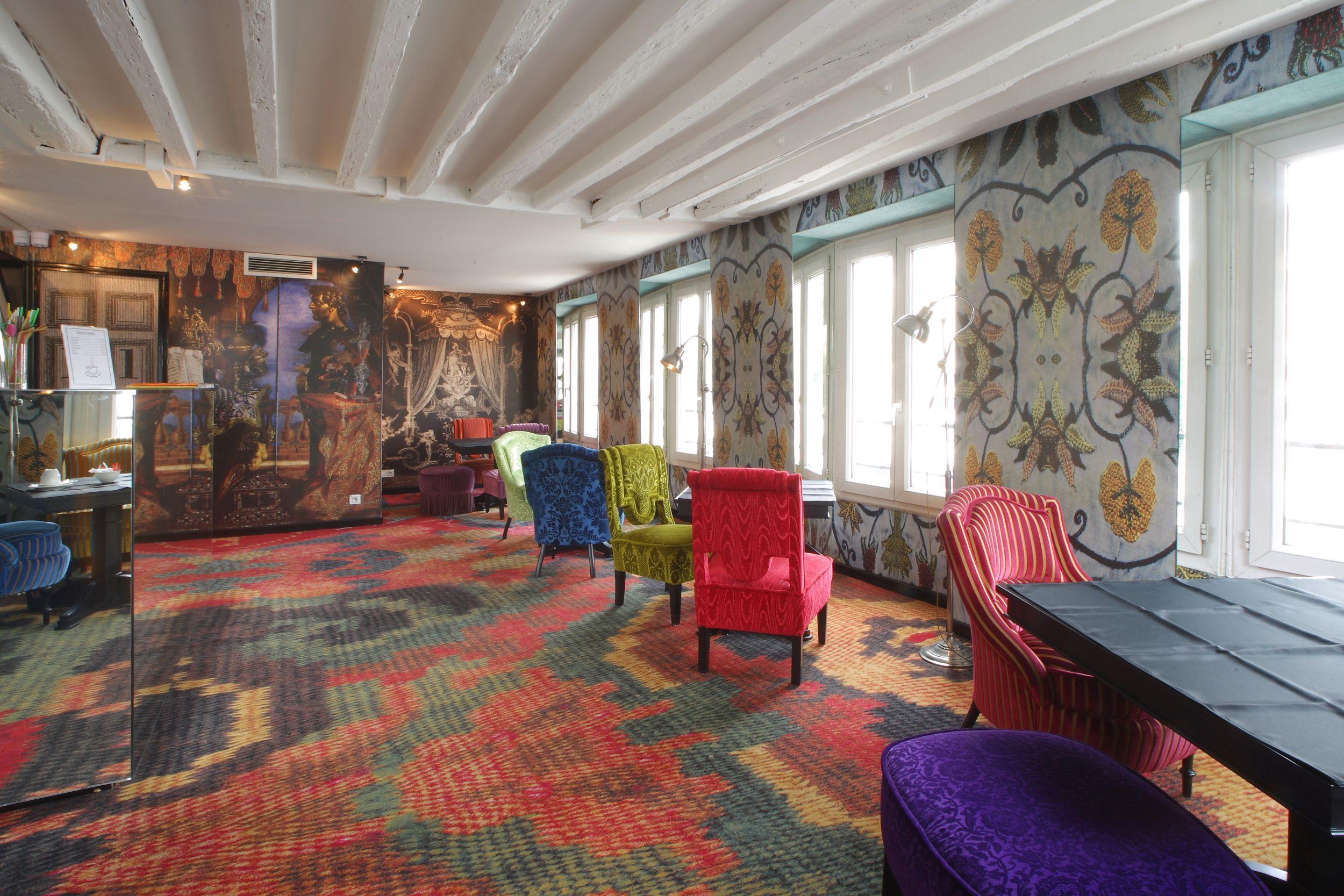 Location hotel notre dame france carpet design by mr christian carpet design baanklon Gallery
