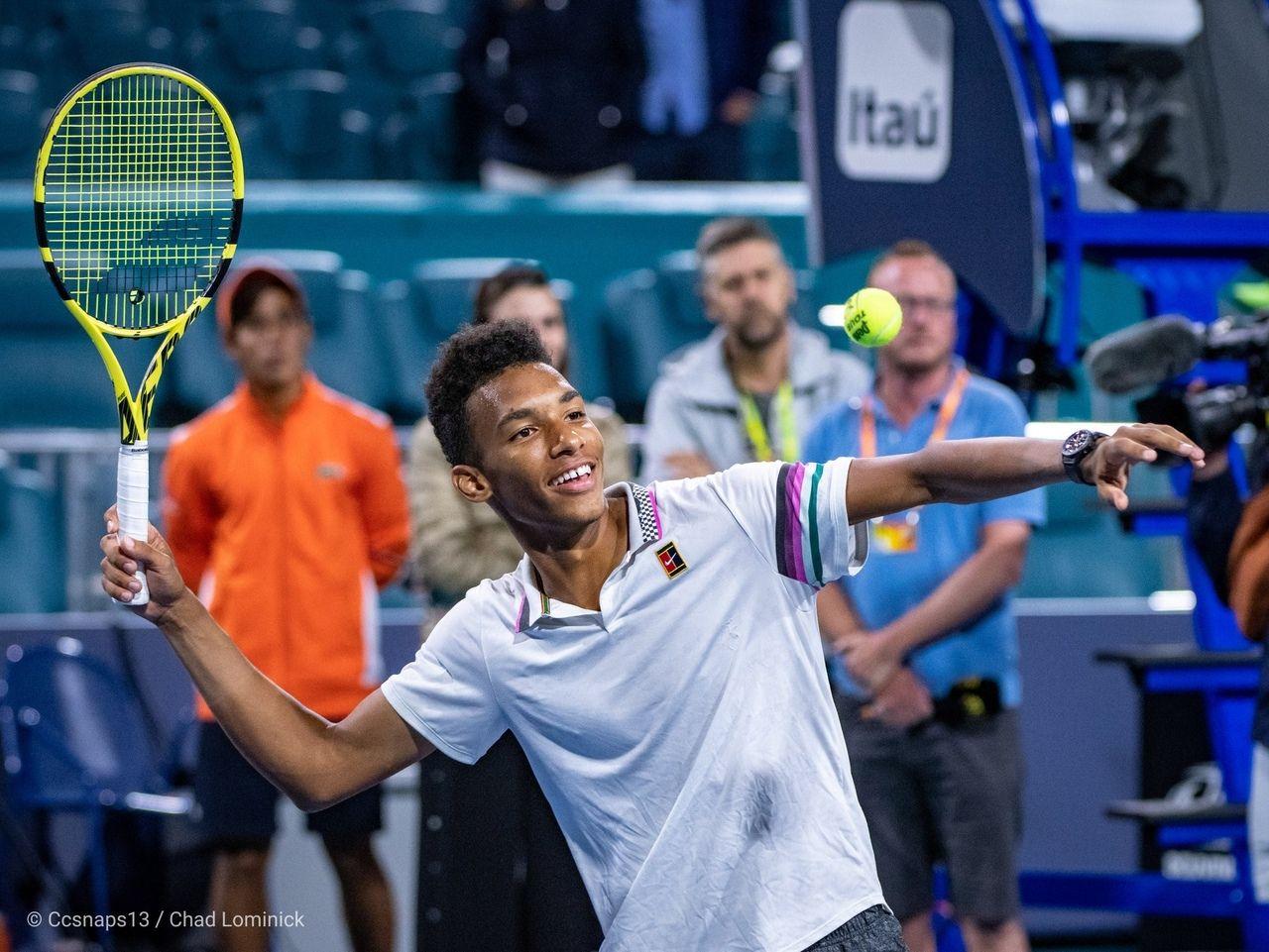 Felix Auger Aliassime In Miami Open 2019 Babolat Pure Aero New Tennis Racket Tennis Player Tennis Court Photo Shoot Tennis Tennis Racket Best Tennis Rackets