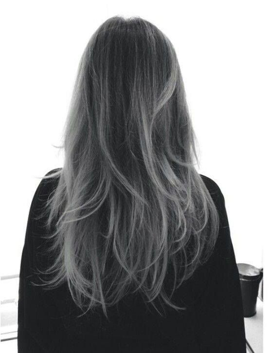 Coloration gris sur cheveux noir