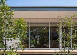 梅香苑の家: 中野晋治建築研究室が手掛けた家です。