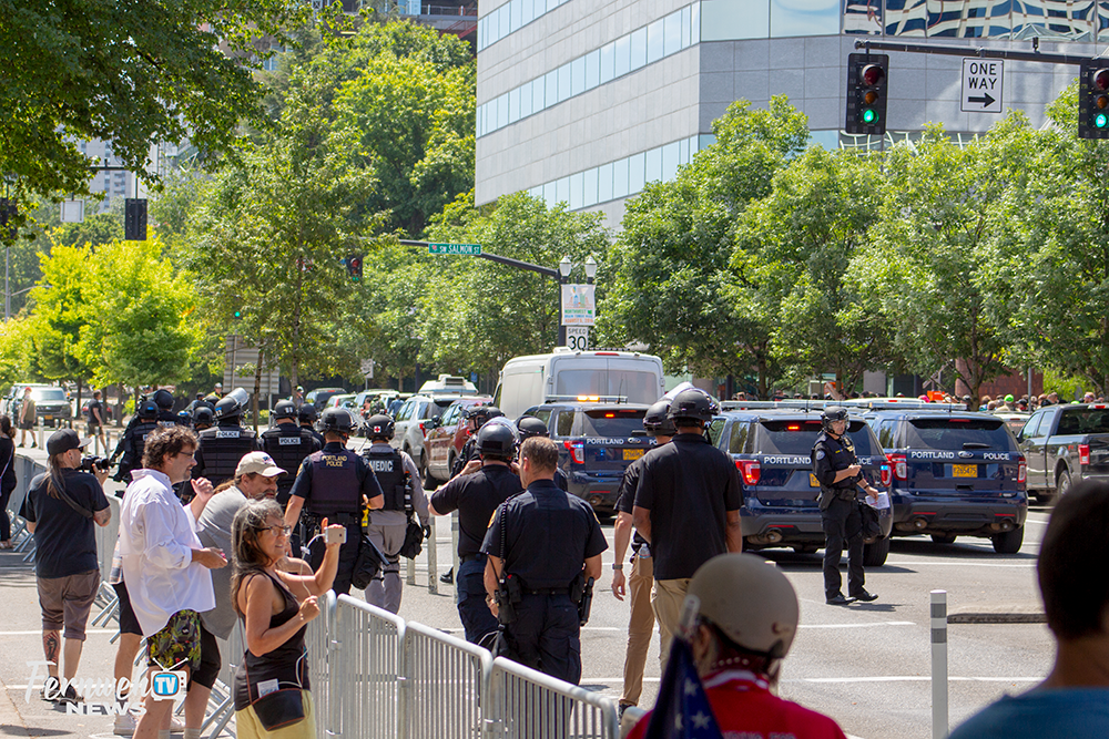 Protestors Clash With Police And Opposing Protest Groups In Portland Oregon 04aug2018 Photo By Russel Wolfram Oregon Street View Photo