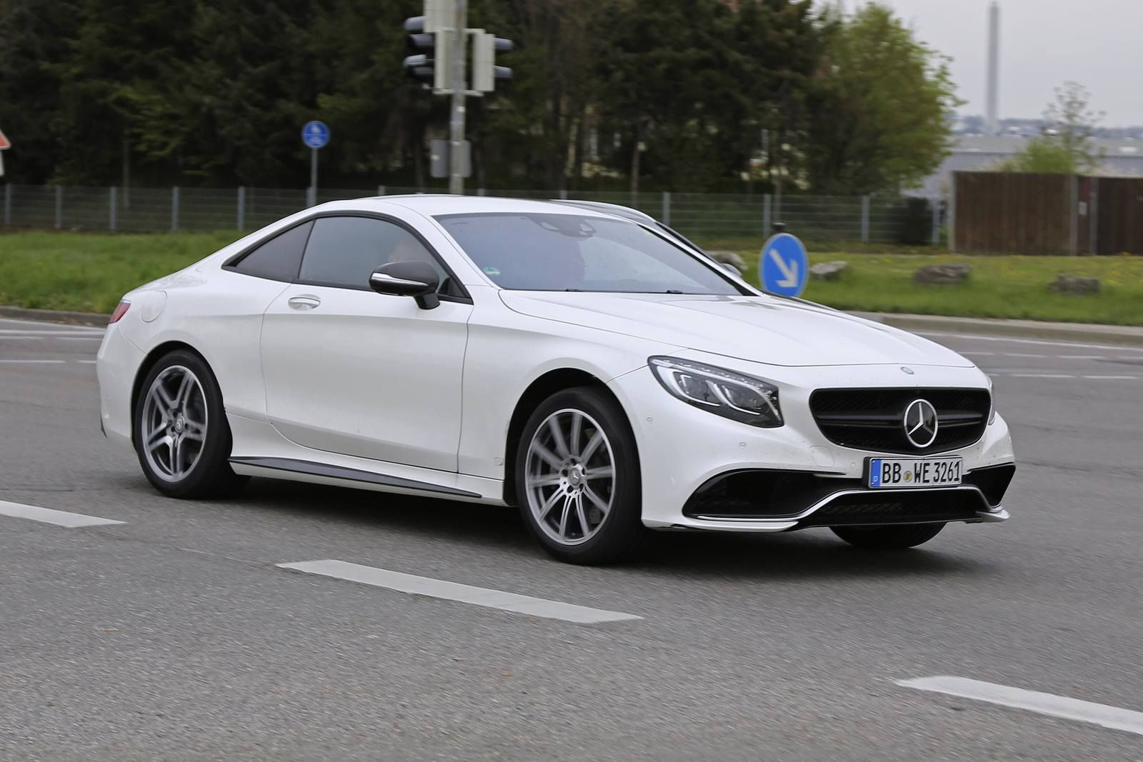 2018 mercedes benz e class coupe review exterior mercedes benz has revealed its revamped 2018. Black Bedroom Furniture Sets. Home Design Ideas