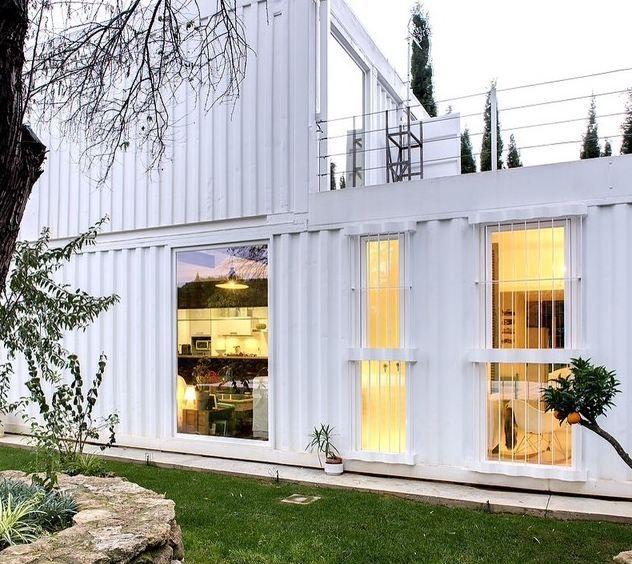 Casas houzz un hogar transportable hecho con contenedores - Casa con contenedores maritimos ...