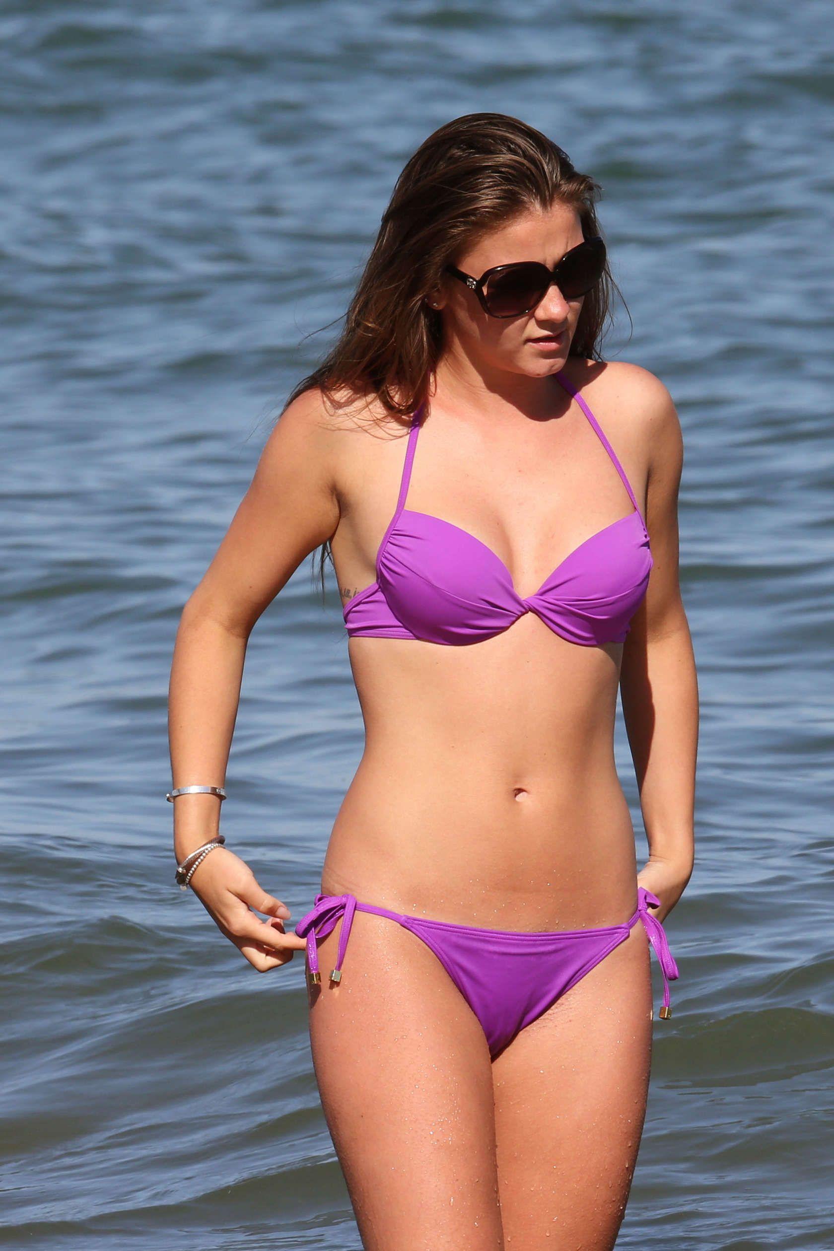 Babe beach bikini hot