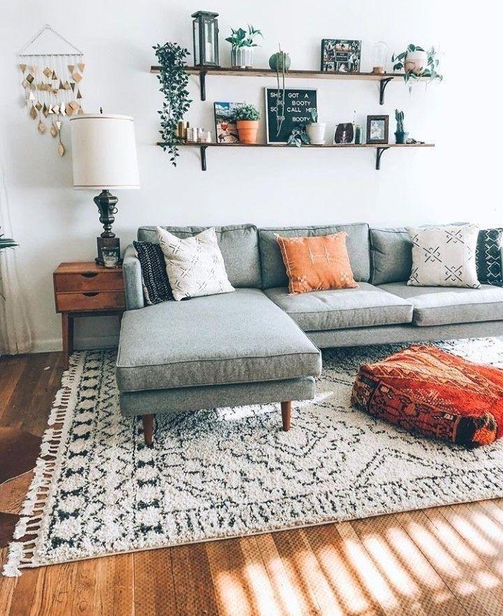 Sehr einfaches Wohnzimmer an der Wand Sehr einfaches Wohnzimmer an der Wand …   – Tätowierung
