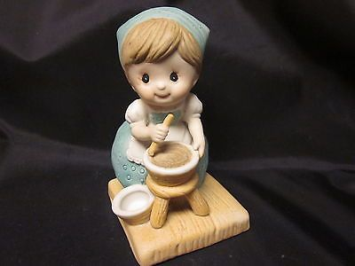 99 Cent Auction of the Day:  A charming #RussBerrie vintage figurine of a girl baking, perfect for your favorite baker! 11/05/13