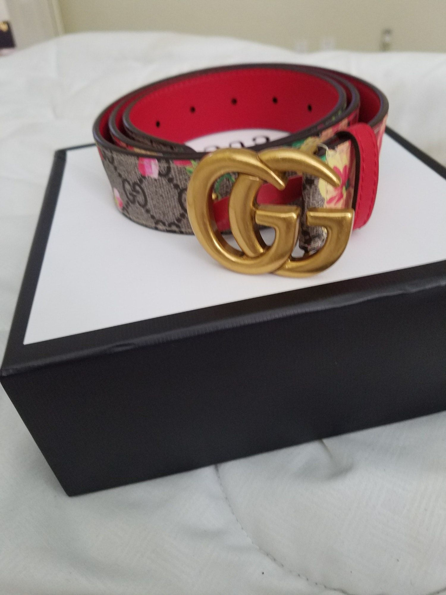 3f4cec6dc20 Gucci Flower Belt by Wendyk Trend Mix flower Gucci belt fit a size M and it  brand new