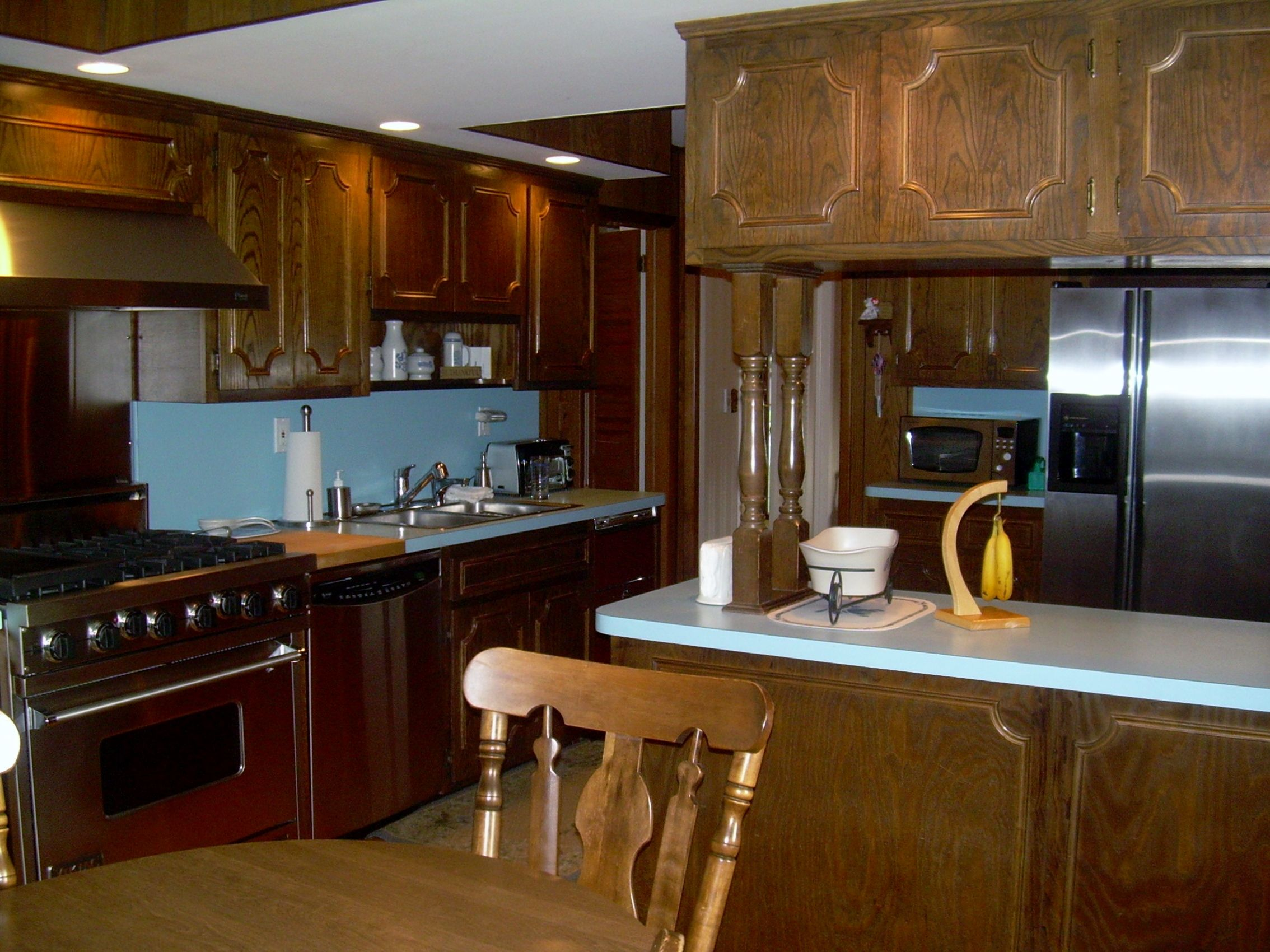 Large Eat In Kitchen With Sliding Doors To Deck Kitchen Eat In Kitchen Kitchen Cabinets