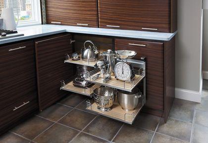 Best Starmark Cabinetry Blind Corner With Magic Corner Shelves 640 x 480