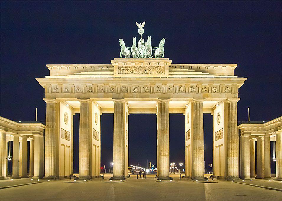 Tiedosto:Berlin Brandenburger Tor Nacht.jpg