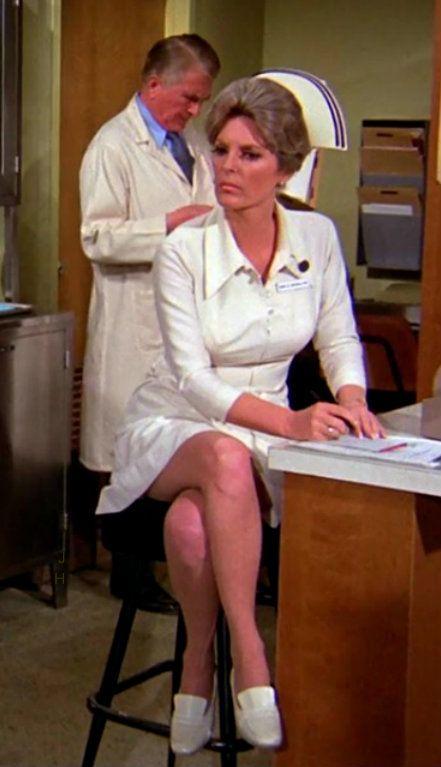 Намордники фотки ножек медсестер