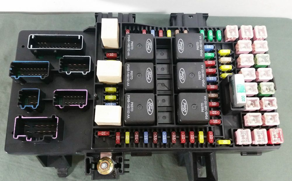 03 expedition fuse box 03-06 navigator expedition under dash fuse relay box oem ...