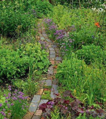 cottage garden design - love the mis-matched bricks Landscape