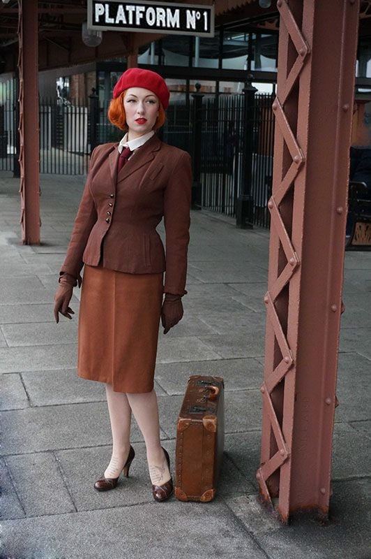 1940s Style - Dressing In Vintage for Winter - The 1940s ...
