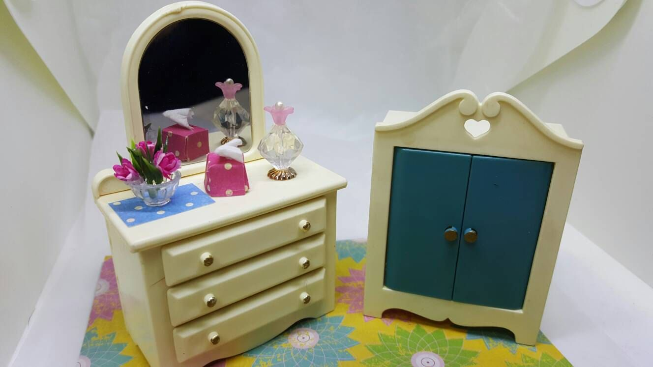 Plastic Bedroom Furniture Fisher Price Vanity And Wardrobe Toy Dollhouse 1978 1979 Hard