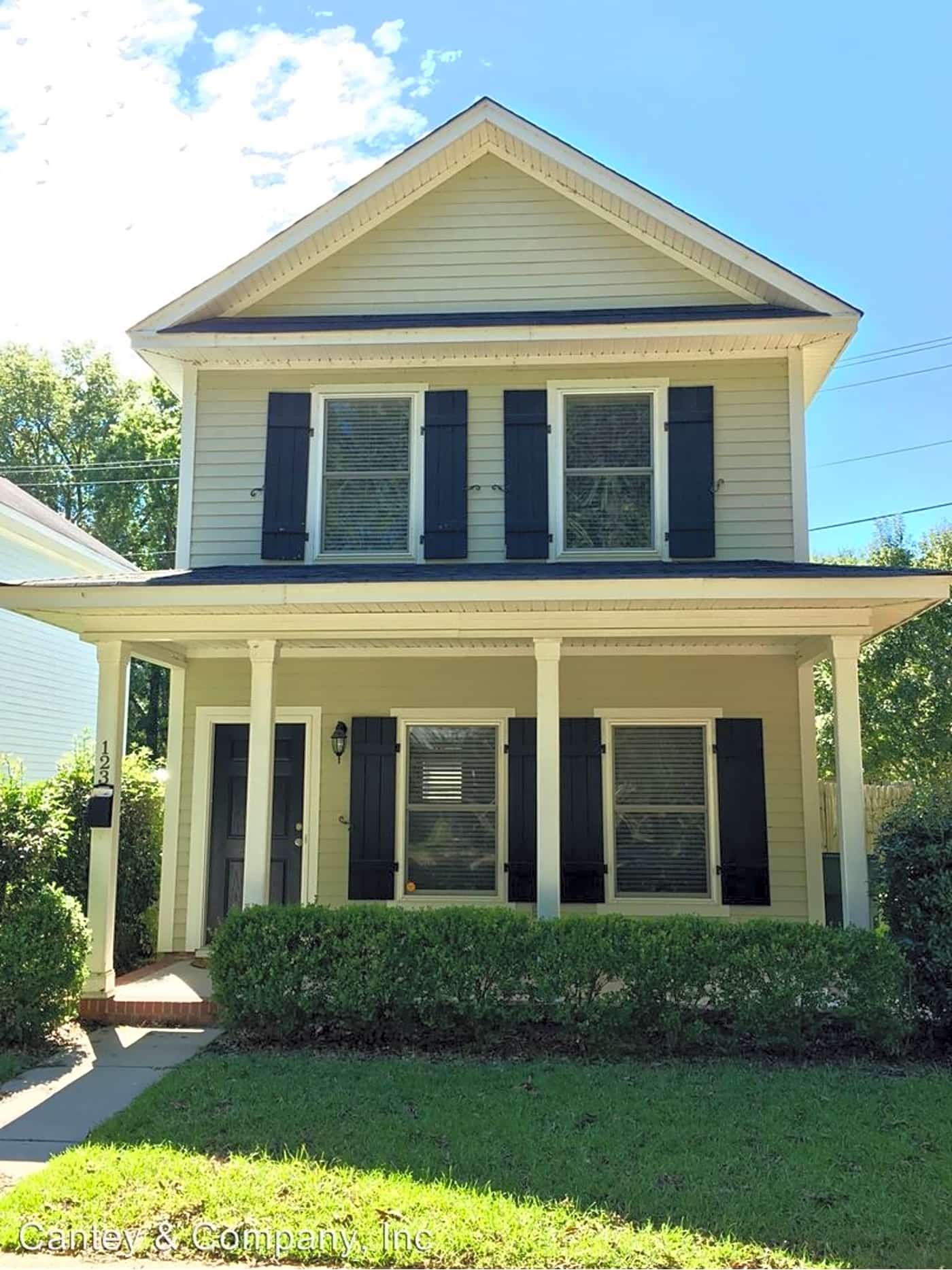 123 Tryon St Tryon St Columbia Sc Houses For Rent Rent Com Renting A House House House Rental