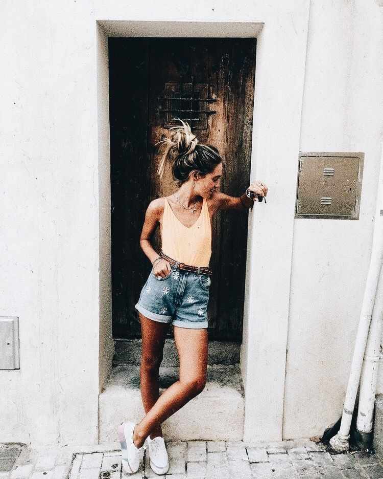 324f665ed16f Kinda feeling dirty dancing vibes from the shorts Estilo Tumblr