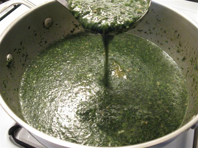 Jew S Mallow Soup Molokhia Egyptian Food Middle East Recipes Molokhia Recipe