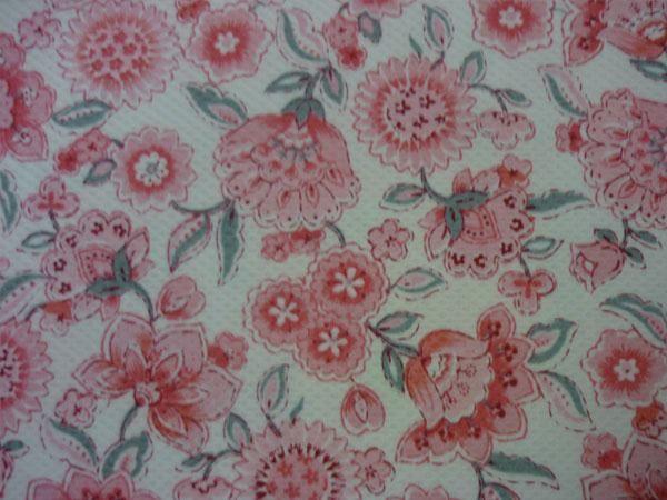 Piqué motivos florales
