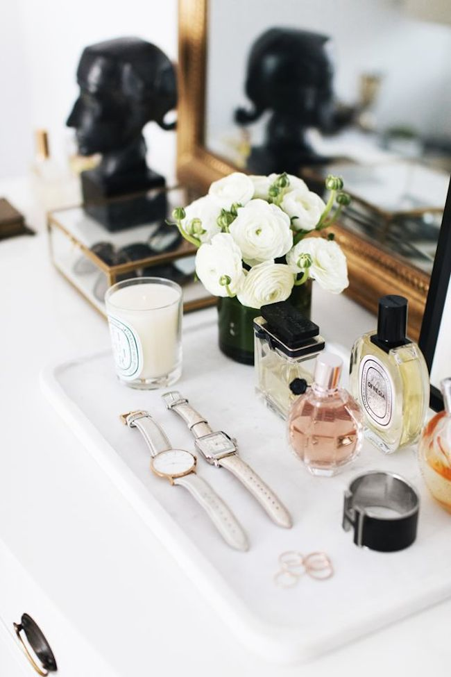Tour The EveryGirl Co-Founder's stunning Chicago home + shop the post! | lark & linen #theeverygirl #hometour #dresserstyling
