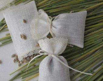 Small Linen bags sachets set of 6 Wedding gift bags by Vizilinen