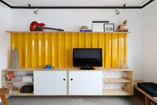 Trilho para iluminação - Reforma de apartamento de 56 m² (Foto: Mariana Orsi / divulgação)