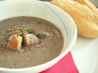 Yummy Indulgences: Elaine's Kitchen: Mushroom Soup