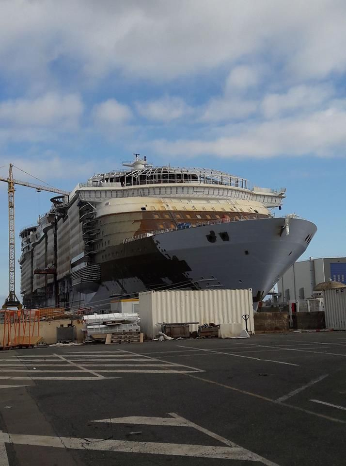 July Photo Symphony Of The Seas Oasis Construction - Cruise ship builders