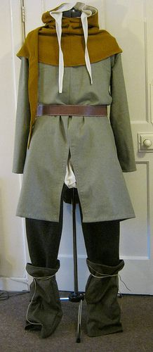 Comeplete medieval mens outfit - braies and hose, tunic, hood, coife and short braies The Midgard Seamstress www.facebook.com/themidgardseamstress