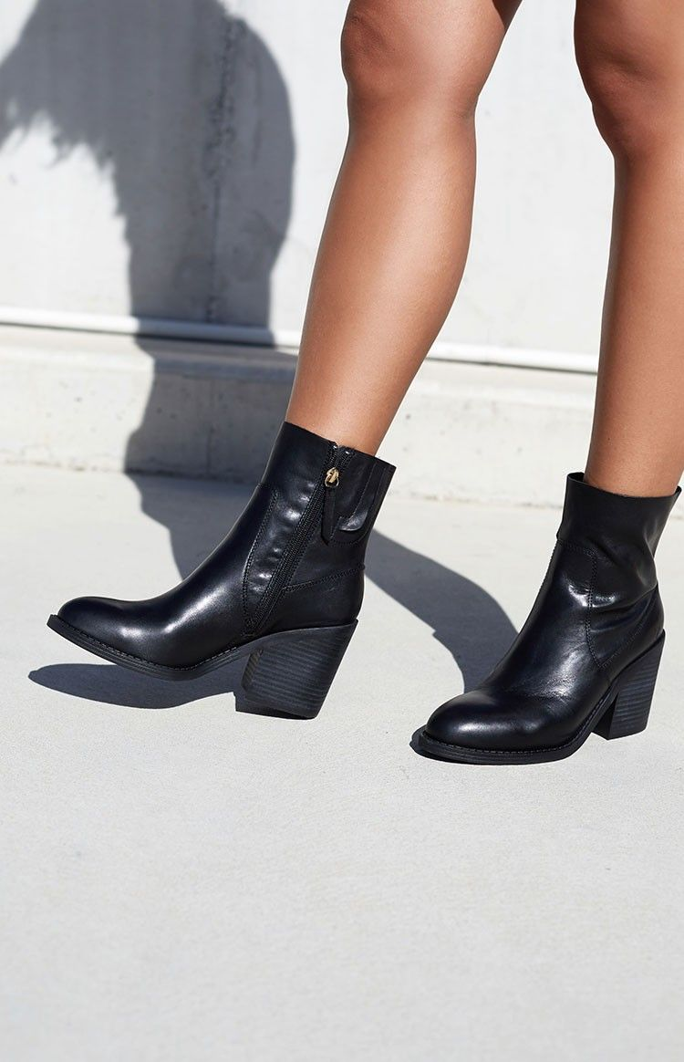 Windsor Smith Meadows Boots Black Leather | Beginning Boutique