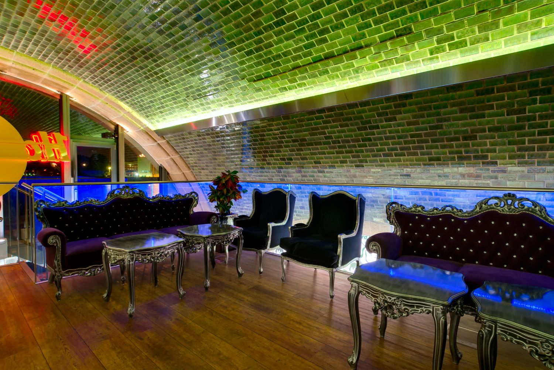 Vip Area In Hard Rock Cafe Hamburg Germany Modern Design Love Hardrock Mit Bildern Hamburg