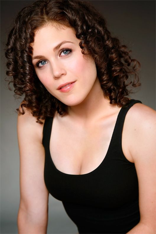 Erin Krakow Actress When Calls The Heart Lisa Hancock