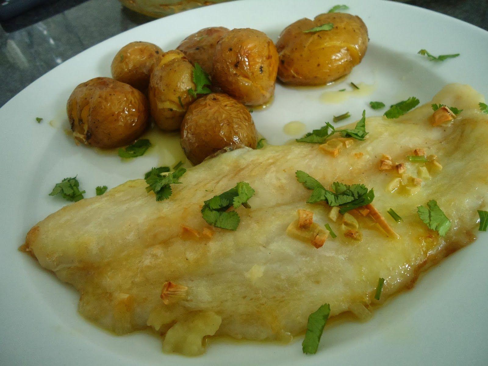Doce Tentação: filetes de peixe gato com azeite e alho e batatinhas a murro no forno
