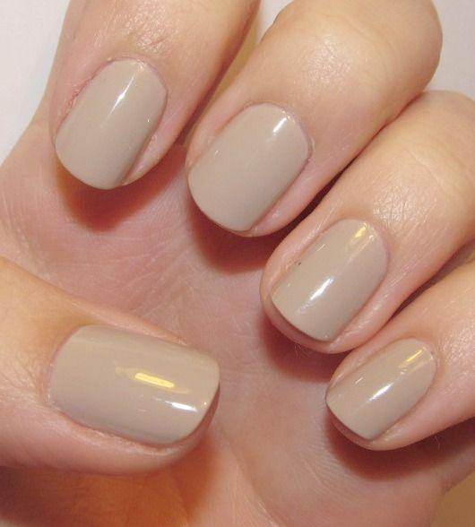 Unas uñas en tono nude son muy elegantes. Además combinan con todos ...