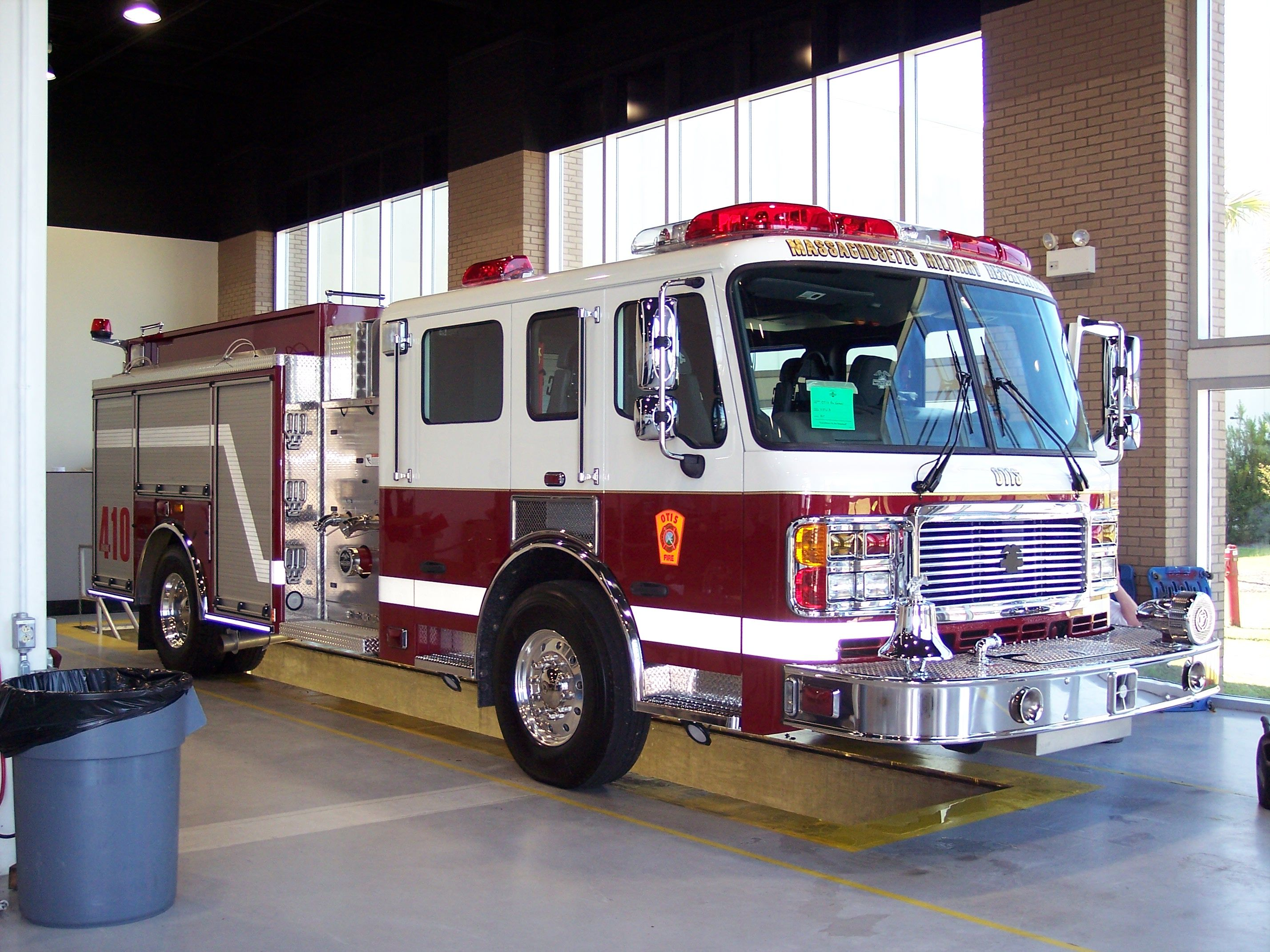Engine 410 otis has a new american lafrance eagle 2000gpm 750 gal 4 door pumper