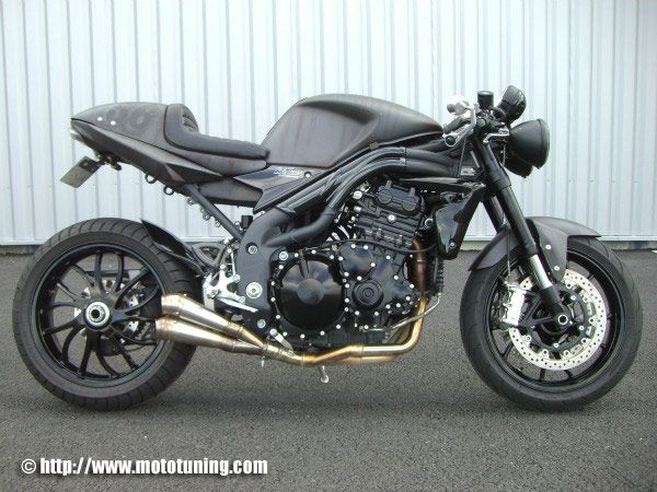 The tail on this speed triple makes it feel almost like one